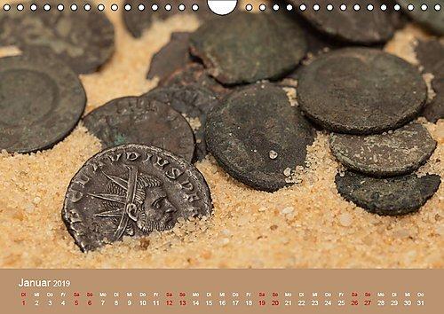 Römische Münzen - Spiegel der Vergangenheit (Wandkalender 2019 DIN A4 quer): Zeitreise in die Antike - 12 spannende Fotografien von römischen Münzen (Monatskalender, 14 Seiten ) (CALVENDO Kunst)
